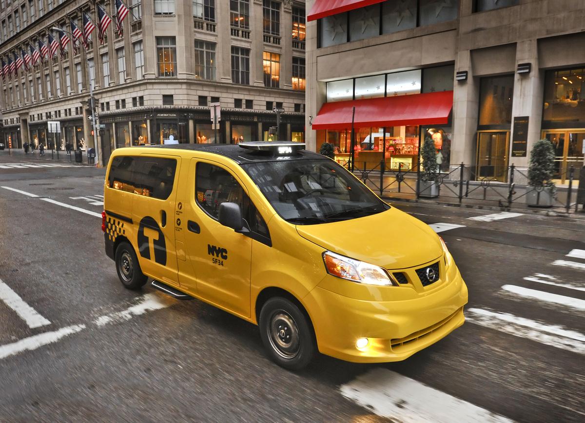 new york bekommt jetzt neue komische taxis von nissan bezahlen mit smartphone m glich apps. Black Bedroom Furniture Sets. Home Design Ideas